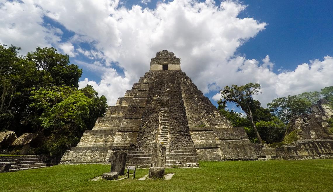 maya-site-tikal-daytrip-belize