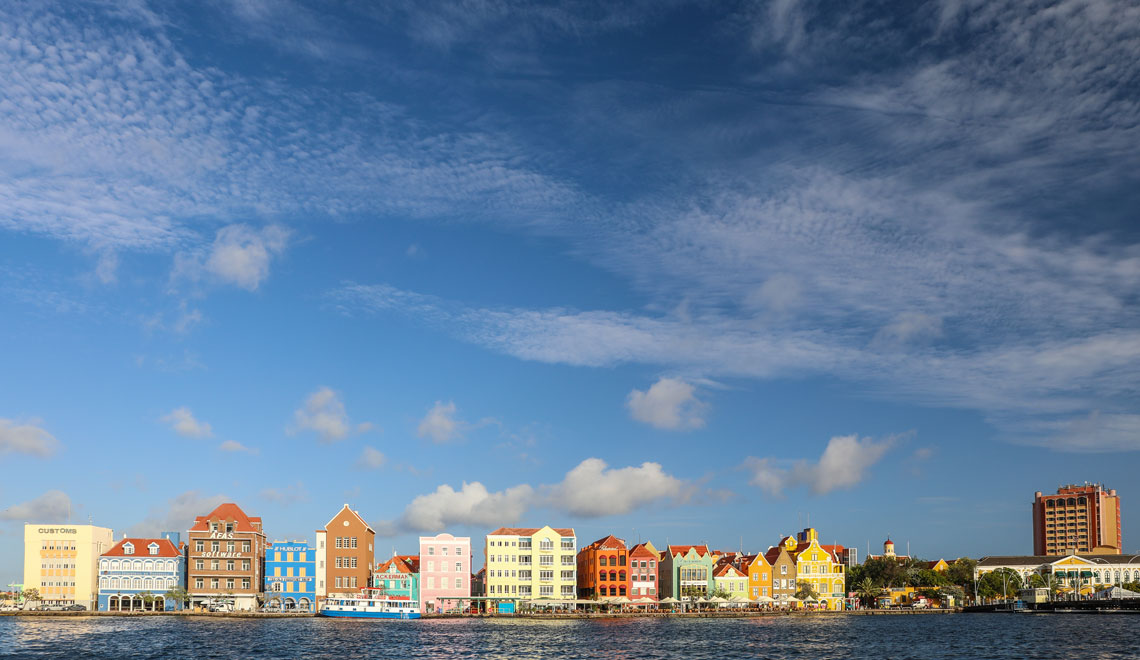 Move to Curacao for business