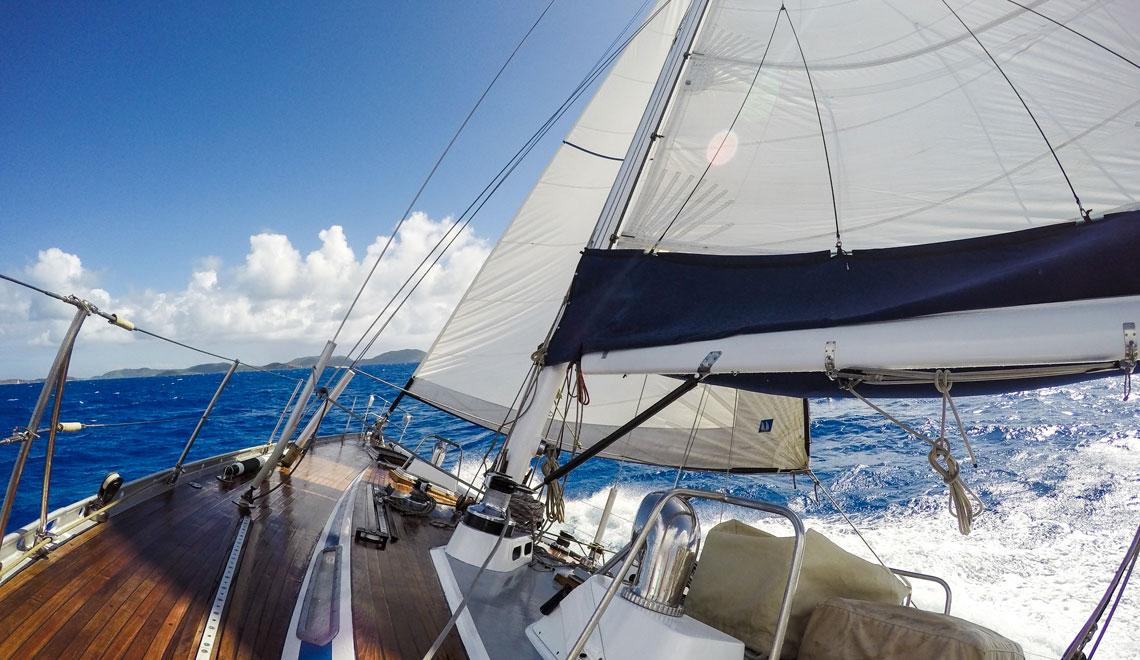 sailing-swan-north-sound-bvi
