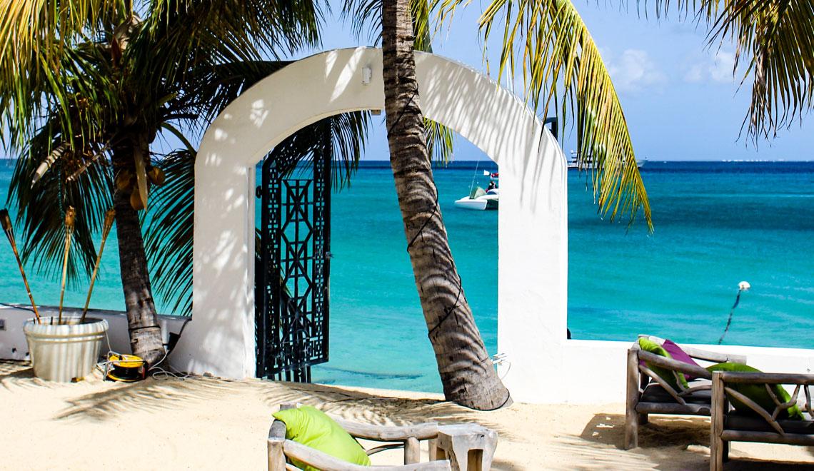Sint-Maarten-Grand-Case Shambala Beach Ocean