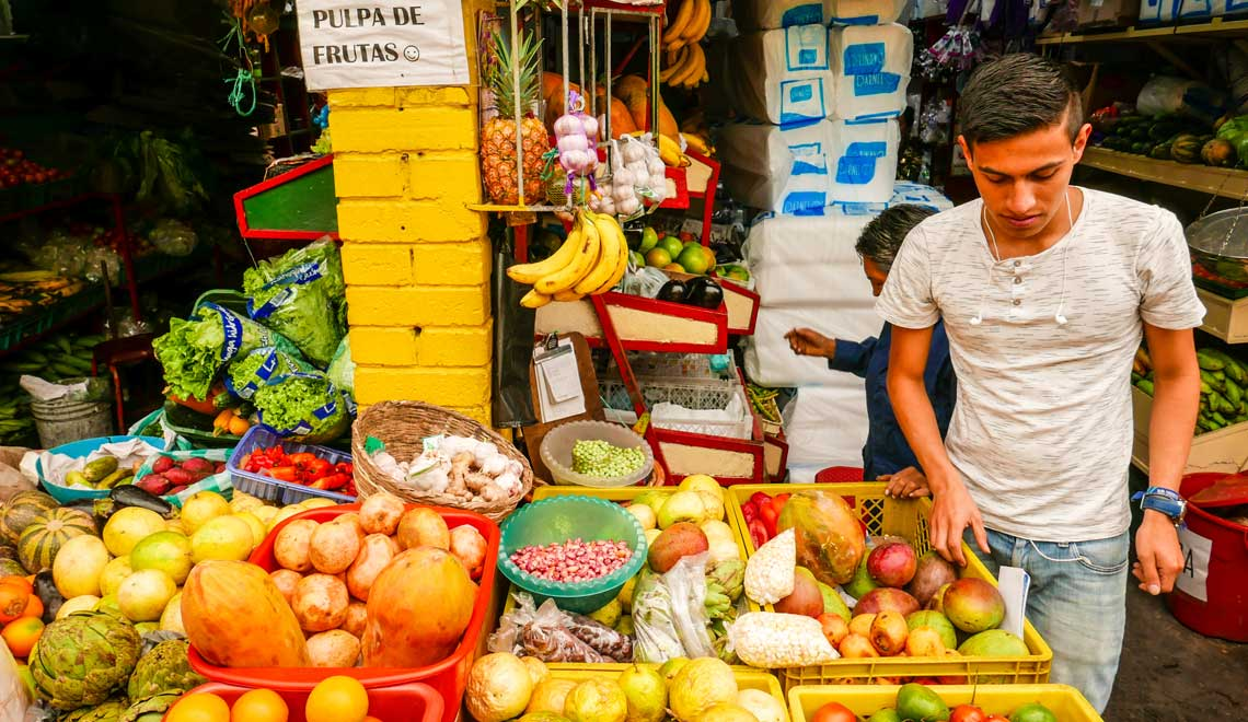 fruit-market-bogota-colombia