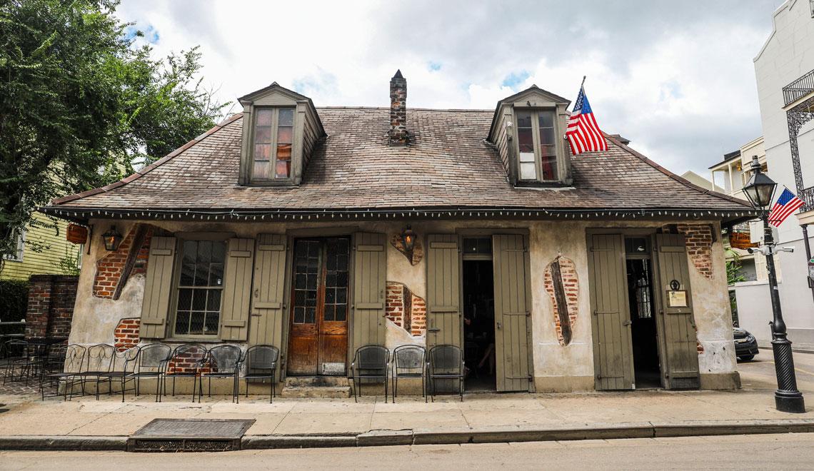 Drinks at Lafitte Blacksmith Shop