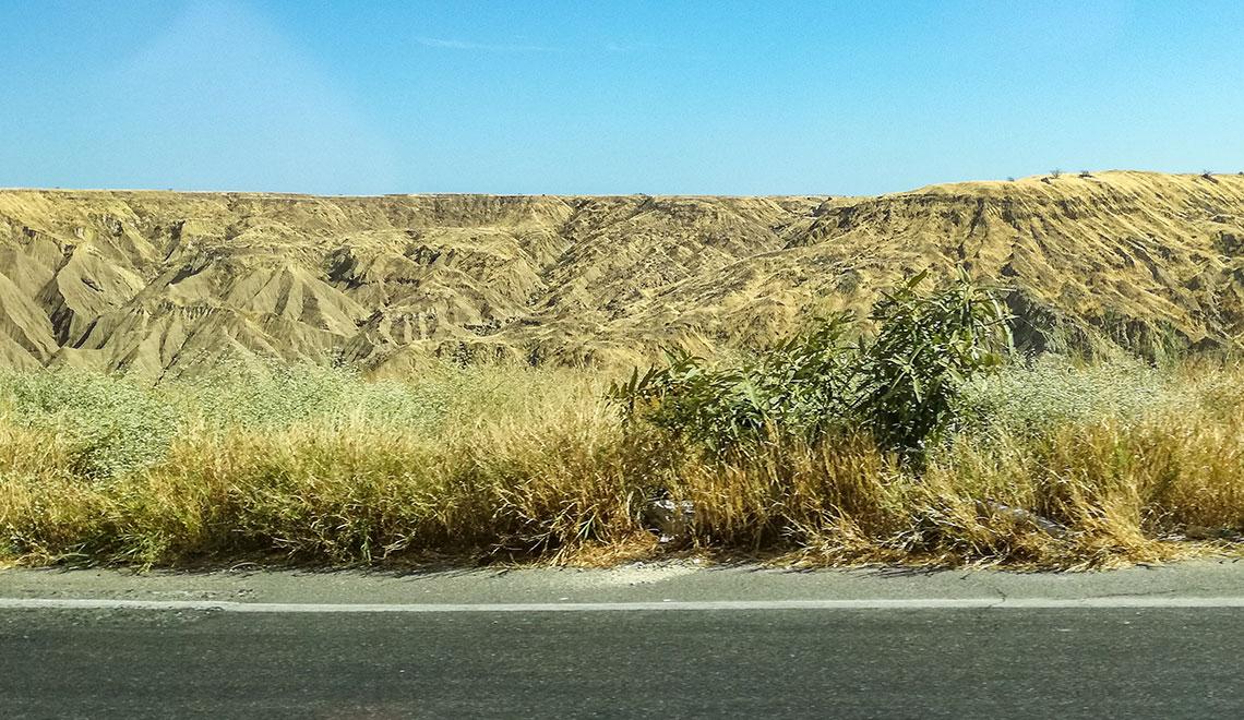 Drive through Desert Canyons in Northern Peru